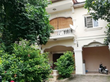 A Beautiful Khmer Style Villa For Rent In Good Location In Boeung Keng KangI (BKKI), Phnom Penh