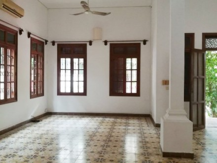 Four Bedrooms Colonial style Villa For Rent In Good Located In Tonle Bassac, Phnom Penh